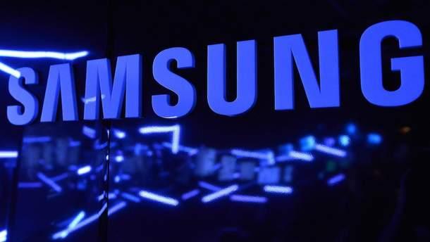 Компания Samsung запатентовала гибкий смартфон с прозрачных материалов