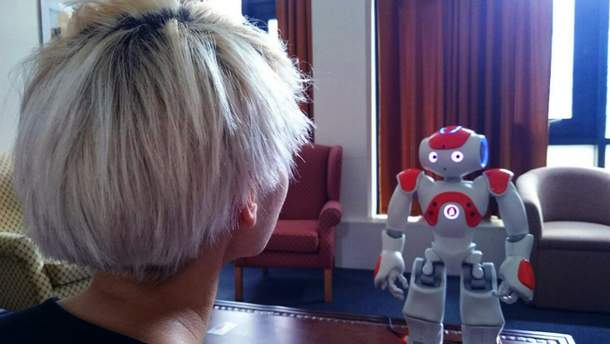 Профессионалы обучили робота эффективному оказанию моральной поддержки человеку
