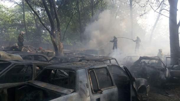 В Киеве на стоянке сгорело 54 автомобиля