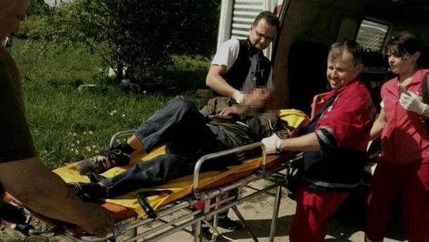 На Львовщине три дня в поле пролежал литовец, которому парализовало ноги