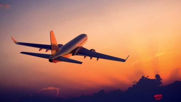 Самолет совершил экстренную посадку в Одессе