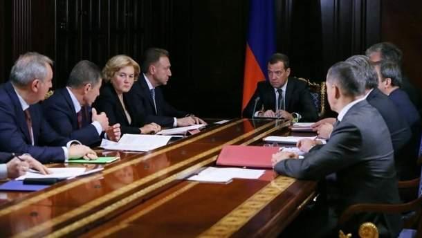 Після інавгурації Путіна уряд Росії на чолі з Медведєвим піде у відставку