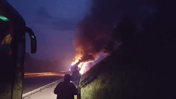 Загорелся автобус с паломниками