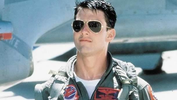 Том Круз в очках-авиаторах