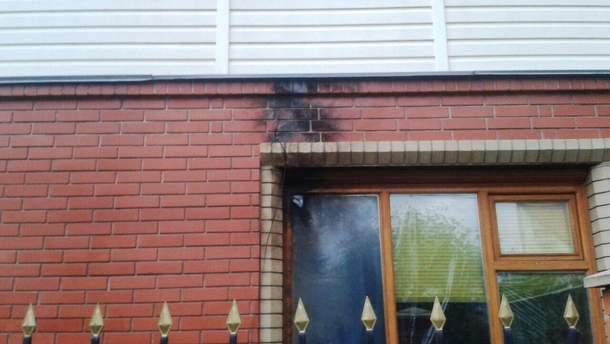 В Черкассах из-за удара молнии загорелся дом
