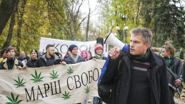 От правительства требуют урегулировать вопросы медицинского использования марихуаны