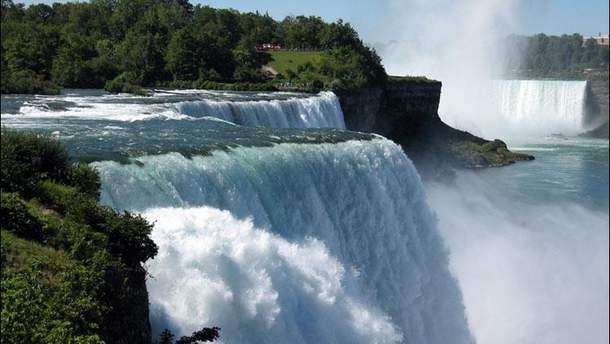 В Индии турист упал с водопада при попытке сделать селфи