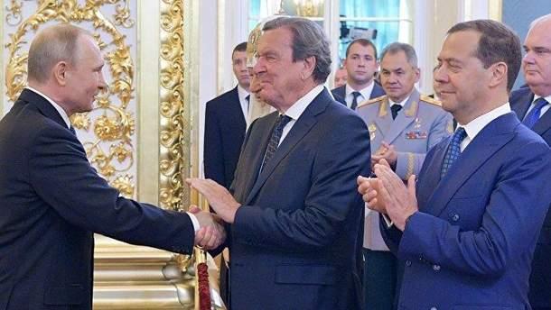 Путин пригласил на свою инаугурация экс-канцлера Германии Герхарда Шредера