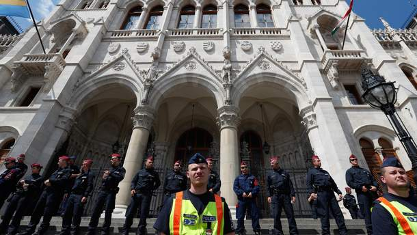 Угорці виступили проти угорського прем'єра Віктора Орбана