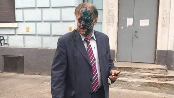 В Киеве Константина Воробьева облили зеленкой и фекалиями