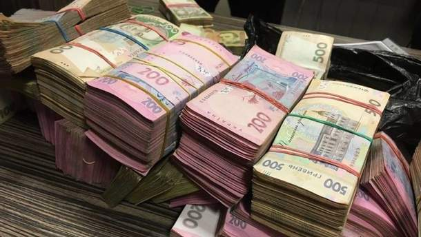 Зарплаты мэров городов Украины выросли