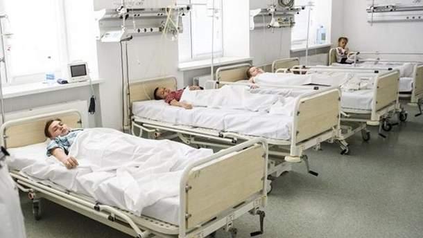 Массовое отравление детей в Черкассах: за проверку взялась военная прокуратура