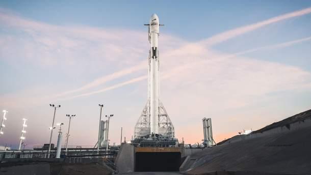 Запуск новоиспеченной ракеты Falcon 9 Block 5 назначен на10мая