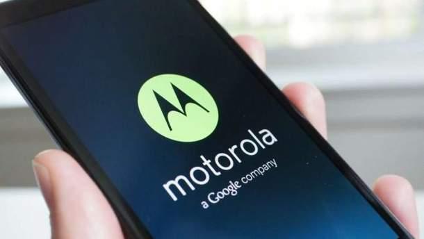 В мережі з'явилися фото патенту нового гнучкого смартфону від Motorola