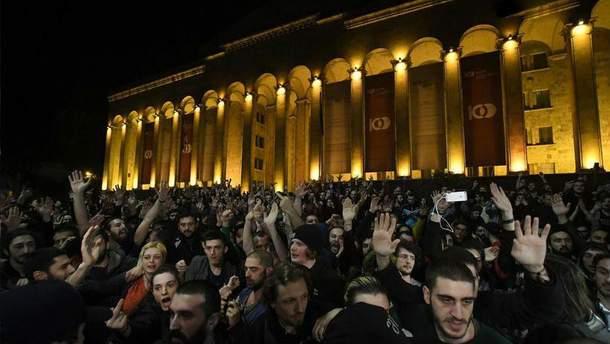 Акція протесту вТбілісі: протестуючі оголосили свої вимоги (ФОТО, ВІДЕО)
