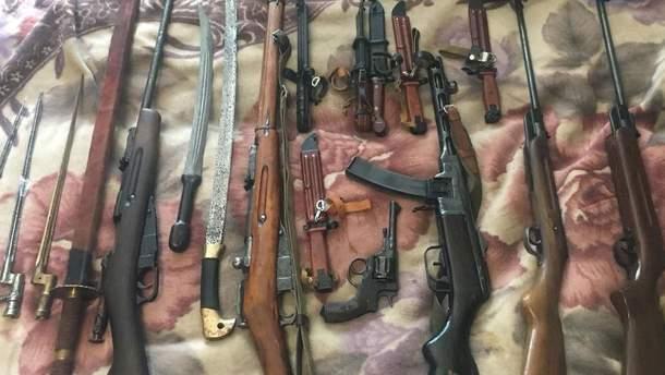 Полиция изъяла у жителя Ровно арсенал оружия