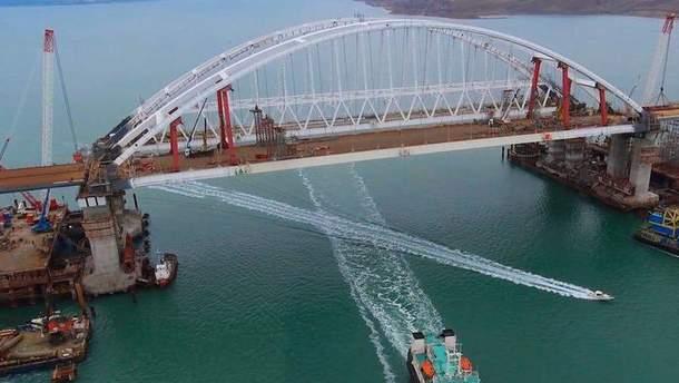 Строитель Крымского моста упал в море