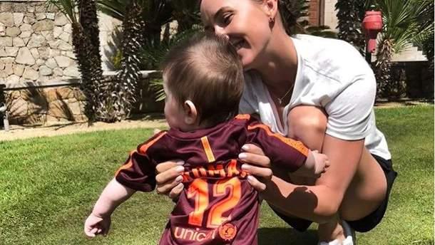 Різадтінова поділилась новими фото сина від Онищенка
