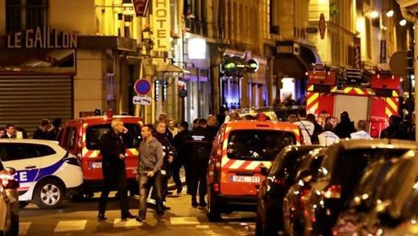 Место нападения на людей в Париже