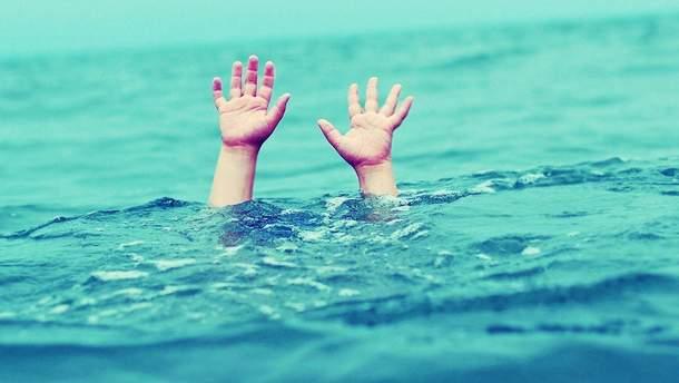 На Ровенщине утонул двухлетний мальчик, пока родители праздновали в кафе