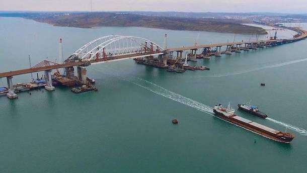 Окупанти відкрили рух шляхопроводом до Кримського мосту