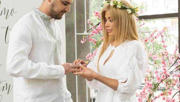 Евгений Дейдей женился на Дарье Ледовских