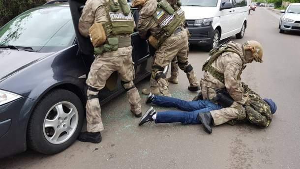 Работники криминальной полиции совместно со спецназовцами КОРД задержали группу гастролеров-воров