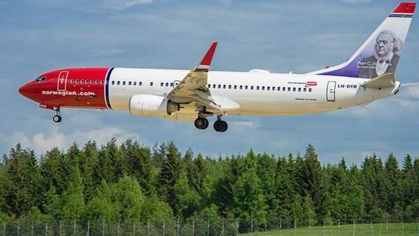 У Львові екстрено сів літак Norwegian B737
