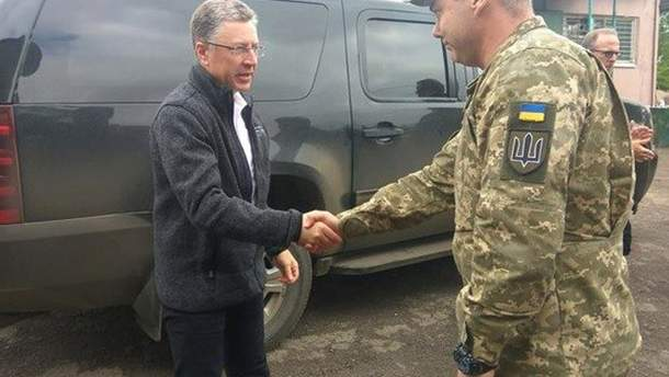 Волкер зустрівся з Наєвим на Донбасі