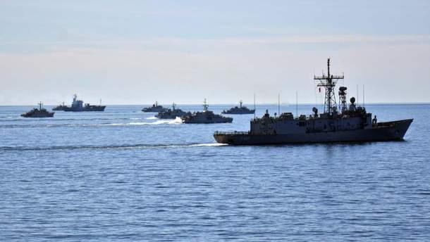 Військові навчання тривають в акваторії грузинського чорноморського порту Поті