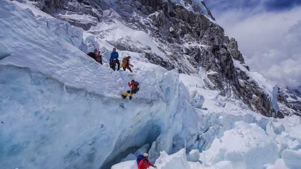 Украинские альпинисты застряли на Эвересте