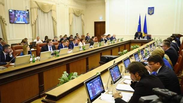 Кабмин выделил деньги на жилье для семей погибших и пострадавших на Донбассе