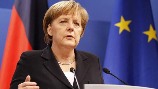 Меркель вирішила створити кібервійська через гібридну війну РФ