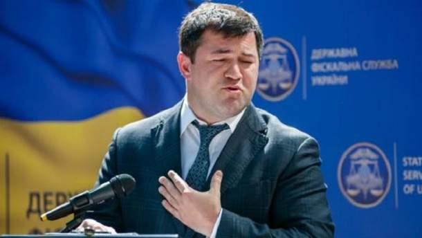 Суд вернул Насирову внутренний паспорт ипродлил меру пресечения