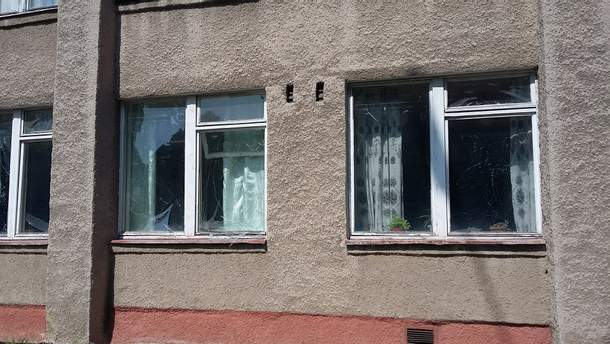 Оккупанты обстреляли школу в Светлодарске
