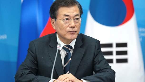 Південна Корея хоче стати посередником між США і КНДР