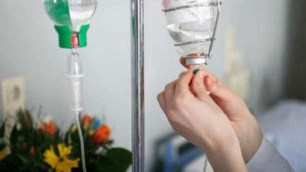 В обласній лікарні Черкас досі залишаються 3 учнів, які отруїлися невідомою речовиною на лінійці
