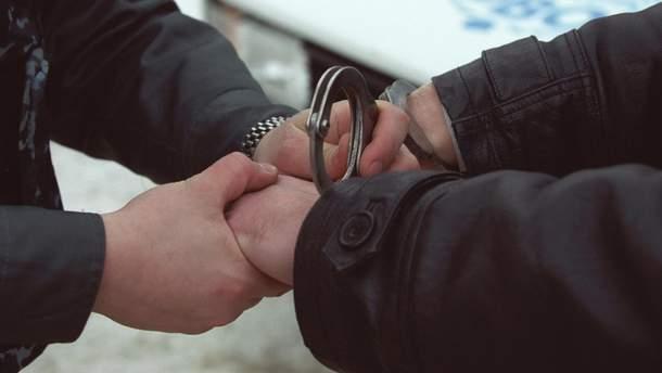 На Тернопільщині правоохоронці затримали банду зухвалих і жорстоких вимагачів (ілюстративне фото)