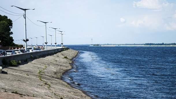 На Киевском водохранилище затонула лодка и исчез человек