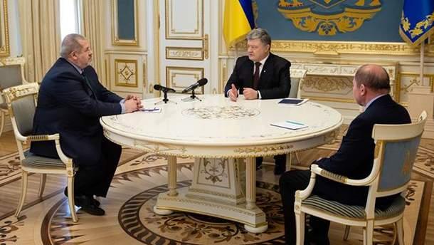 Порошенко встретился с Чубаровым и Умеровым