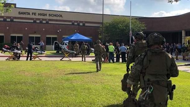 В результате стрельбы в школе городка Санта-Фе погибли от 8 до 10 лиц