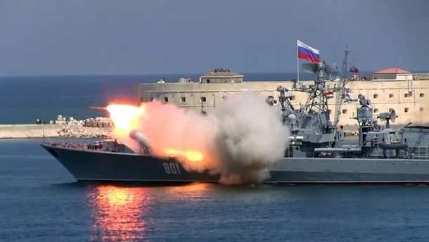 Россия проводит стрельбы у берегов оккупированного Крыма