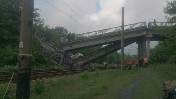 На окупованому Донбасі підірвали міст, який сполучав Хрустальний з Луганськом: фото