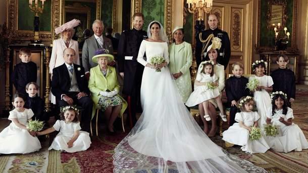 На весільній фотосесії принца Гаррі і Меган Маркл помітили недолік