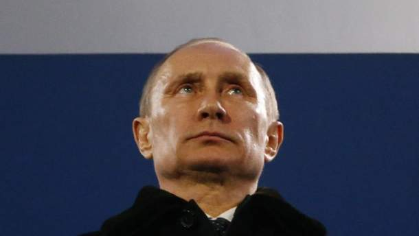Путин пошел на обострение боевых действий, чтобы шантажировать Меркель?