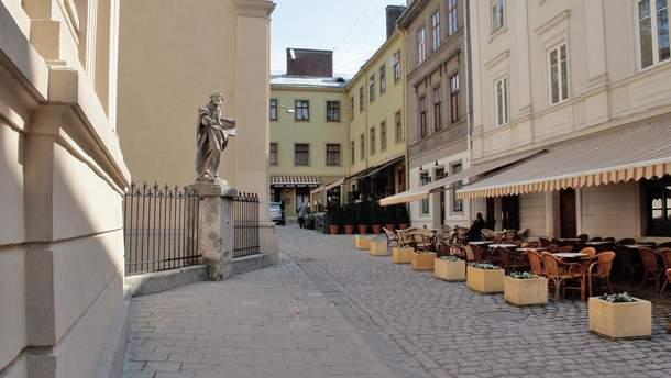 У центрі Львова помер польський турист