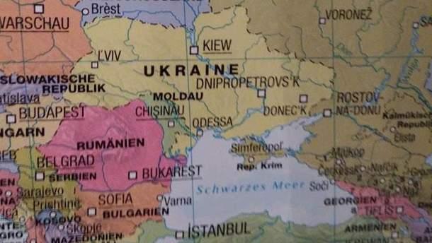"""У Німеччині продають карту з """"російським"""" Кримом"""