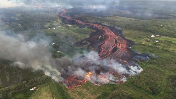 МЗС радить українцям не їхати на Гаваї, де вирує вулкан