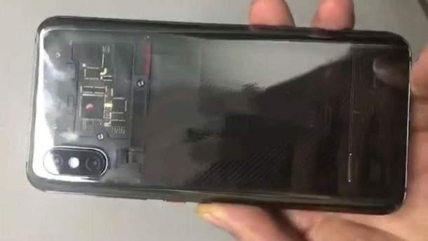 УXiaomi Mi8 будет чёлка ипрозрачный корпус