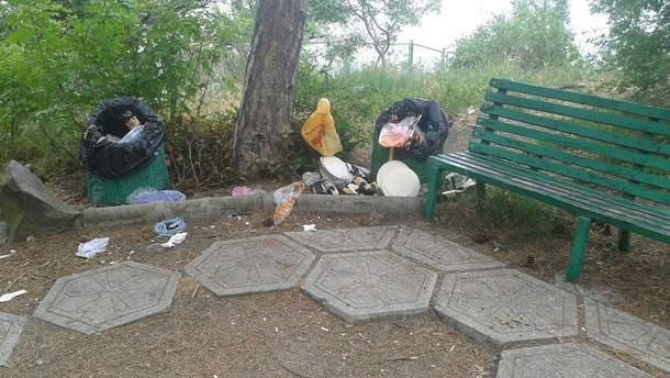"""В окупованому Криму """"Сонячна стежка"""" перетворилася на смітник"""